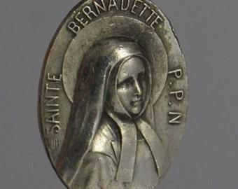 Sainte BERNADETTE SOUBIROUS Patron Saint Vintage Religious Medal Pendant on 18 inch sterling silver rolo chain