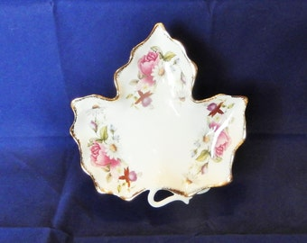 Flambro collectible leaf shaped trinket dish, Summer rose, Fine bone China made in Taiwan, Pink roses with gold edging, Candy dish