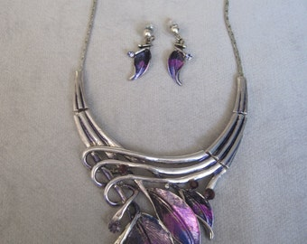 Regal Purple Leaves Entwine with Branches Necklace