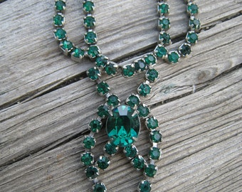 Beautiful 1950s Emerald Green Rhinestone Dainty Necklace