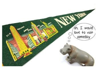 vintage pennant,New York City, 1950s, souvenir, new york, retro, kitsch, new york skyline, wall hanging, wall decor, wall art, vintage sign