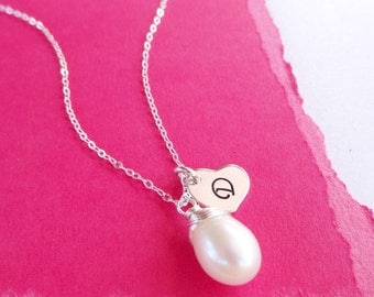 Pearl necklace with initial, Personalized Bridesmaid gift, bridesmaid jewelry, bridal necklace, wedding jewelry, real pearl