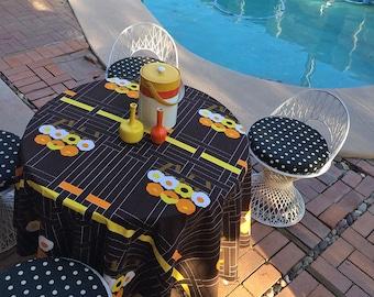 Vintage 60s 70s LARGE Round MOD Tablecloth Table Cloth MCM Midcentury Modern Marimekko ish Flower Brown Orange Yellow Hippie decor Festival