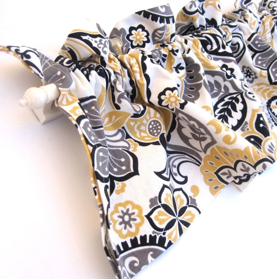 ranae valance curtains yellow white black paisley flowers 44. Black Bedroom Furniture Sets. Home Design Ideas