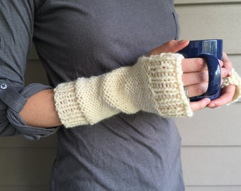 Chunky Knit Wrist Warmers Fingerless Gloves, Winter Mitts | Cream White Ecru | 100% Lamb's Wool