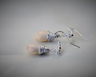 HOWLITE Dangle Earring with Swarovski Bicone - WHITE