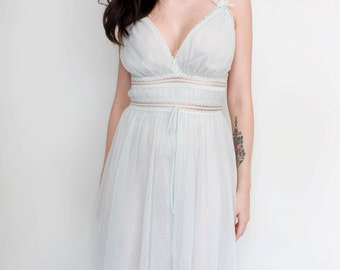 Vintage Lingerie '60s Grecian Goddess Nightgown Negligee Boudoir Pin Up Style - Size Medium