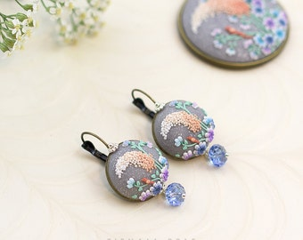 The summer song. Handmade applique flowery clay earrings.