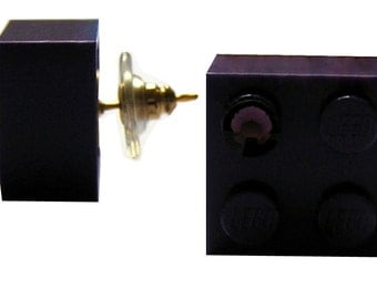 Purple LEGO (R) brick 2x2 with a Purple SWAROVSKI crystal on a Silver/Gold plated stud