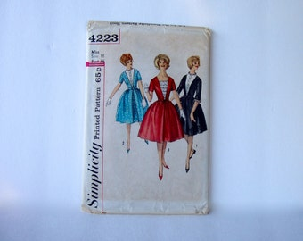 """50s/60s Dress . Vintage Sewing Pattern . Bust 36"""" . Uncut . Misses' Dress with Detachable Dickey Gathered Skirt . Simplicity 4223"""