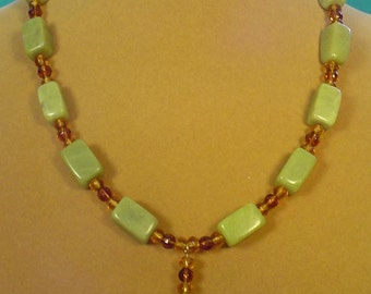 "19"" Nephrite Jade and Honey Colored Glass Pendant Necklace - N444"