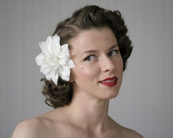 "White Hair Flower, Fascinator Bride, Headpiece, Floral Hairpiece, Wedding Hair Clip, Bridal Hair Accessory, 1950s - ""Kissing in the Clouds"""