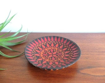Carved wood dish / plate signed LM 1972