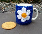 A nice cup of tea and a biscuit - Daisy flower mug hug / mug cosy with biscuit / cookie pocket in royal blue.