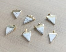 1 pcs of White Howlite Triangle Pendants with Brass Findings - Gemstone Pendants