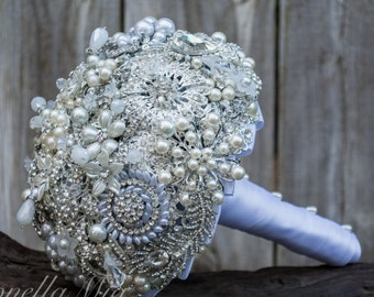 Brooch Bouquet, Full Price Made to Order in your colors bridal bouquet, wedding bouquet, bridesmaid bouquet, wedding brooch, white wedding