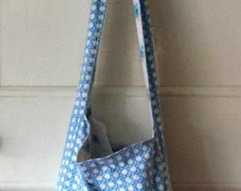 Slouchy Bag (Blue Geometric) reversible large roomy boho market bag hobo secondhand sheets floral fabric blue flowers crossbody