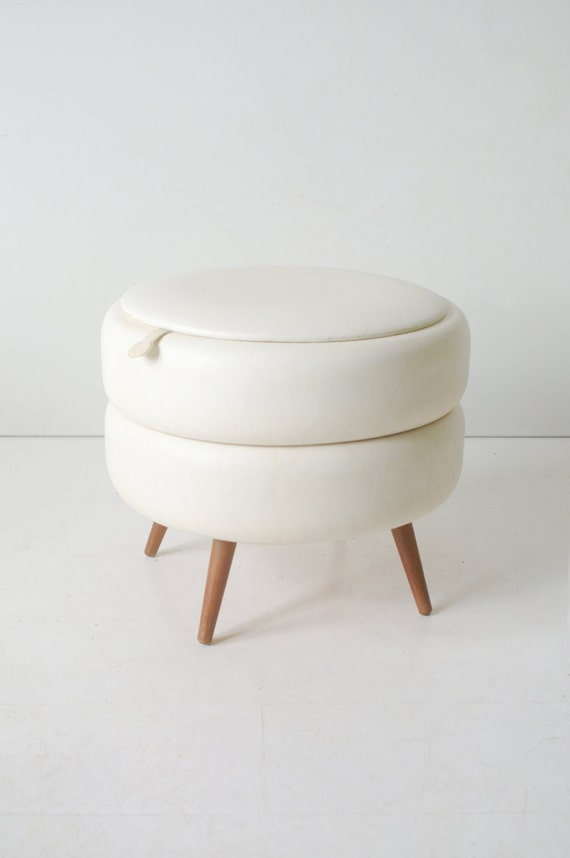 white leather storage ottoman on wooden legs round vintage. Black Bedroom Furniture Sets. Home Design Ideas
