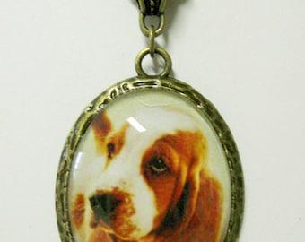 Basset hound pendant with chain - DAP09-054