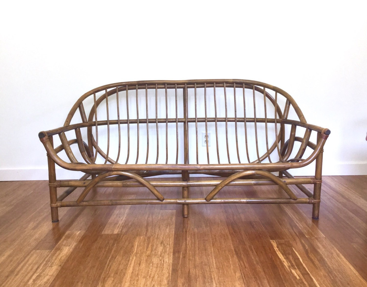 vintage bamboo settee sofa loveseat bentwood rattan albini. Black Bedroom Furniture Sets. Home Design Ideas