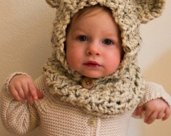 Oatmeal Baby Bear Crocheted Snoodie