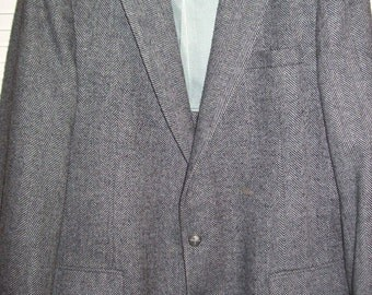 "Vintage Men's Wool Herringbone Tweed Sportcoat 44"" Reg.  BEAUTIFUL coat !"