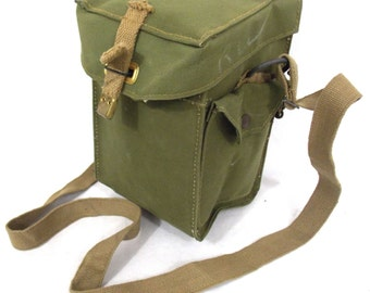 Vintage WW2 British Army Canvas gas mask bag Satchel shoulder military WWII