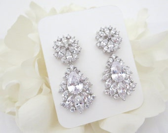Rhinestone Bridal earrings, Wedding earrings, Crystal earrings, Chandelier earrings, CZ earrings, Bridal jewelry, Rose Gold earrings
