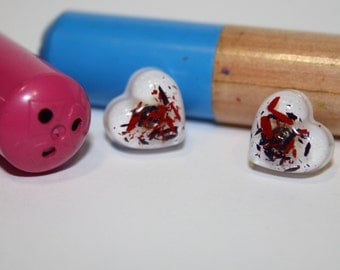 Pencil flakes resin stud earrings. White stud earrings. Resin heart stud earrings. Pencil stud earrings. Made in Italy. Handmade jewelry.
