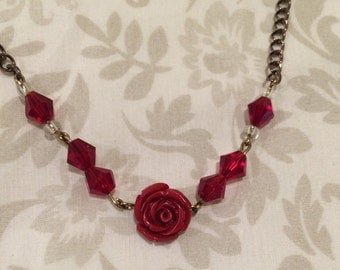 Red rose choker