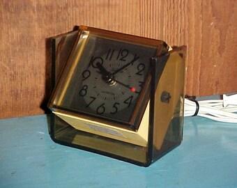 Vintage 70s Sunbeam Electric Alarm Clock, Lighted Dial Tilt-N-Tell, Mid Century Retro Bedroom Decor