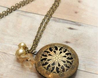 Victorian Locket Necklace Antique Locket Jewelry Pendant Locket Graduation Gift Mothers Day Gift Necklace Jewelry Limonbijoux