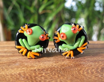 """Green Poison Tree Frog with Orange Legs on Black Plugs 00g 7/16"""" 1/2"""" 9/16"""" 5/8"""" 3/4"""" 1"""" 9.5 mm 10 mm 12 mm 14 mm 16 mm 18 mm 20 mm - 25 mm"""