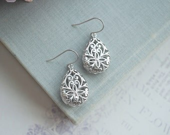 Silver Plated Pear Teardrop Earring. Wedding Jewelry, Bridal Earring. Bridesmaid Gift. Rhodium Three Dimensional Pear Filigree, Boho Wedding