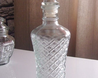 Vintage Diamond Pattern Clear Glass Decanter With Stopper