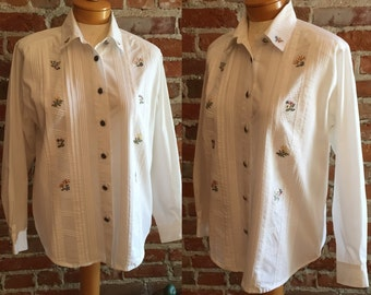 Vintage 1970's Koret Floral Embroidered Western Style Button Down Long Sleeved Blouse