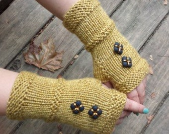 Knit Fingerless Gloves with Buttons - Upcycled Fingerless Gloves - Vintage Button Gloves - Armwarrmers -