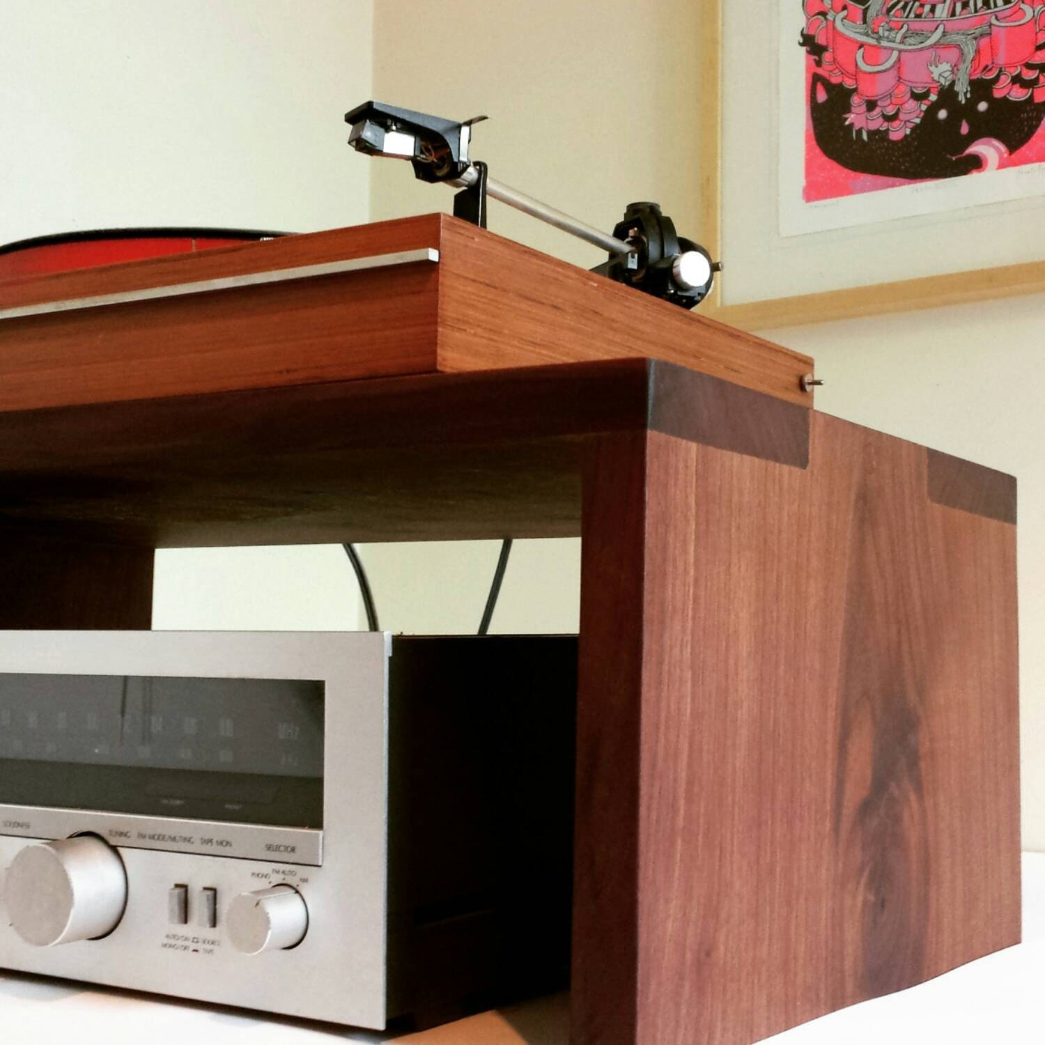 Beautiful Audiophile Turntable Amp Table Record Player