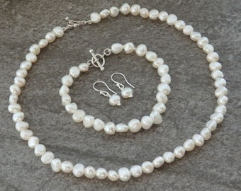 Freshwater Pearl Necklace, matching Pearl Bracelet Earrings in Silver, Gemstone