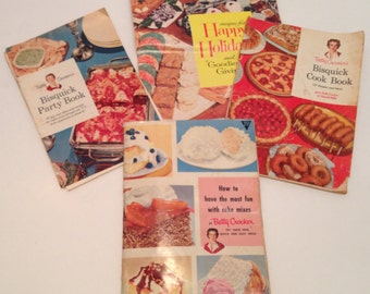 Vintage 1957 Betty Crocker's Bisquick Party Book.Recipes for Happy Holidays Cookbooks/Pamphlets/Booklets.How To Have Fun W/Most Cake Mixes..