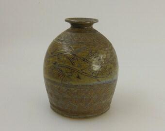 """Signed Amiko Art Studio Pottery 4.5"""" Vase - Hand Incised Stoneware"""