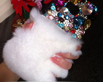 Bling Charms Luxury White Soft Fluffy Fur Furry Lovely Fashion Colorized Crystals Rhinestones Diamonds Gems Hard Cover Case for Mobile Phone