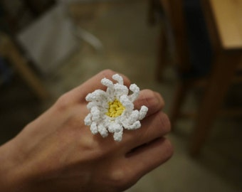 Crocheted daisy ring