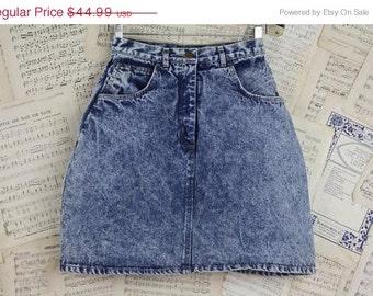 ON SALE Vintage 80s High Waist Acid Wash Jean Skirt Stone Wash S 26 42 Curvy