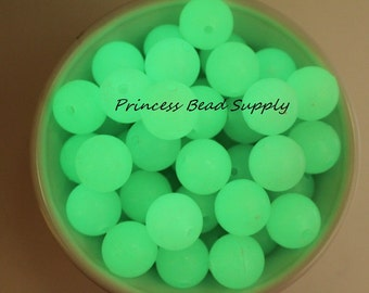 18mm Glow in the Dark Chunky Beads,  Glow in the Dark Gumball Beads,  Glow in the Dark Acrylic Beads Glow Beads  Perfect for Halloween