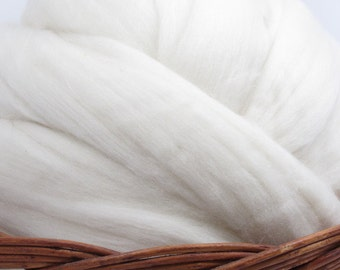 New Zealand Romney Wool Top Roving - Undyed Natural Spinning Fiber / 4oz