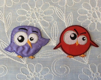"""Iron on Patch little birds angry embroidered red or lilac 2,4""""x1,8""""(6cm x 4,5cm)"""