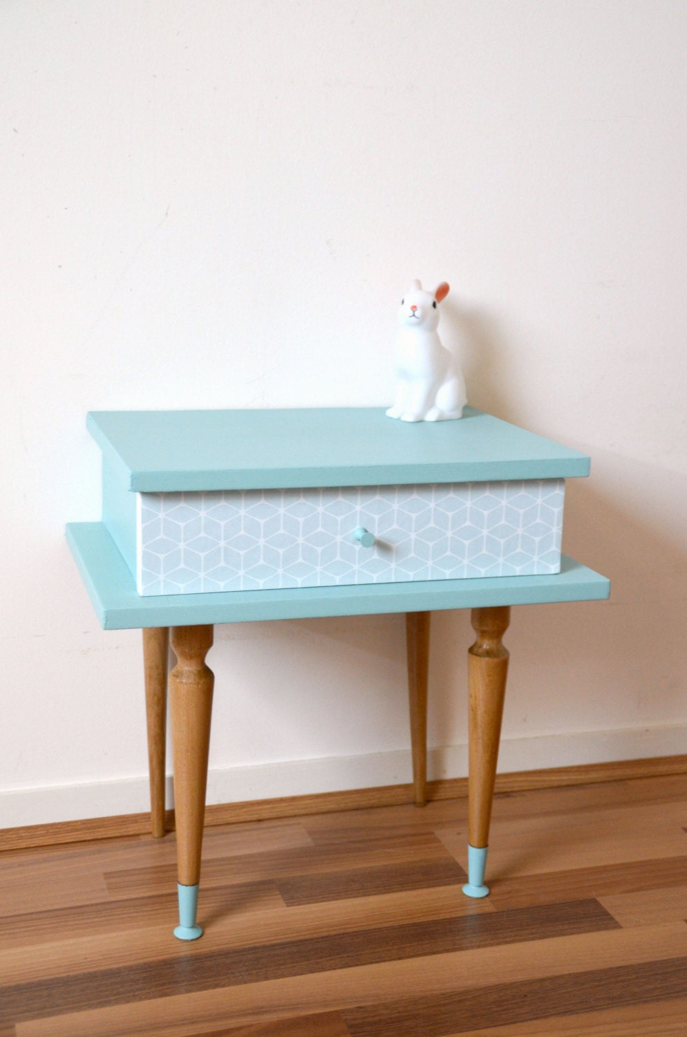 Chevet vintage table de nuit en bois massif coloris for Decoration de table bleu turquoise