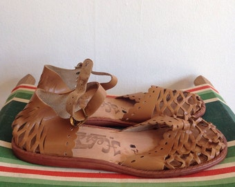 Vintage Deadstock 1970s Beige Leather Mexican Sandals