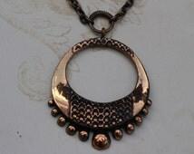 Nordic Modernist Pentti Sarpaneva, Finland. Bronze pendant, with chain.